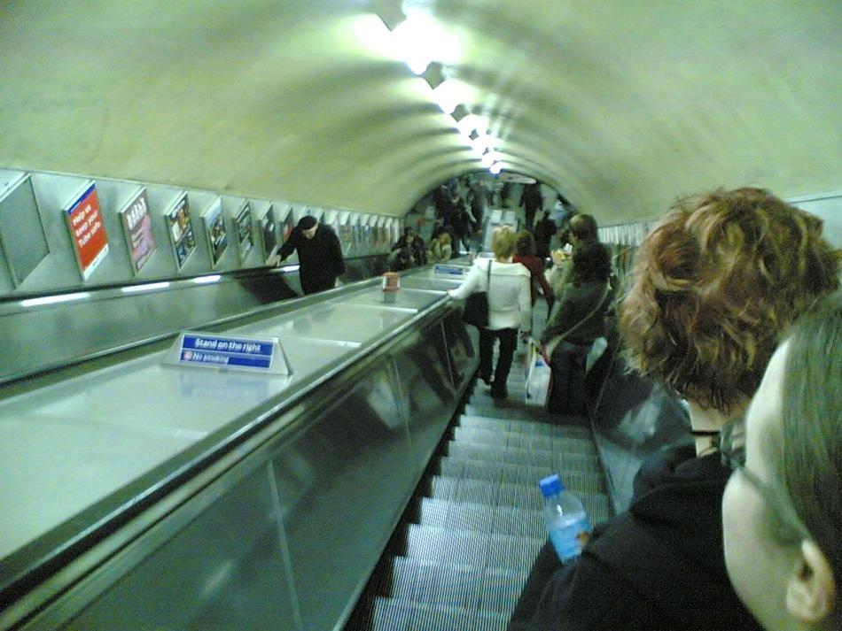 Londres e a pressa no metrô