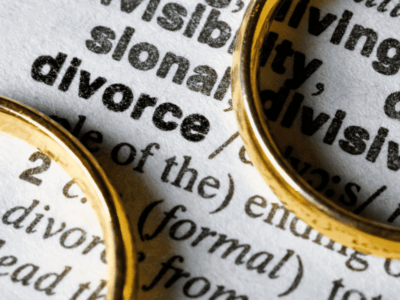 Como validar no Brasil um divórcio assinado no exterior?