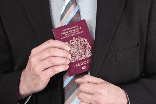 Quer ser um cidadão britânico? Você precisa passar em dois testes.