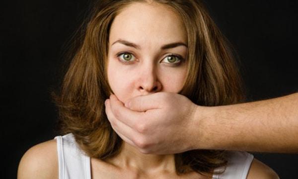 Vítima de violência doméstica não perde visto quando denuncia agressor