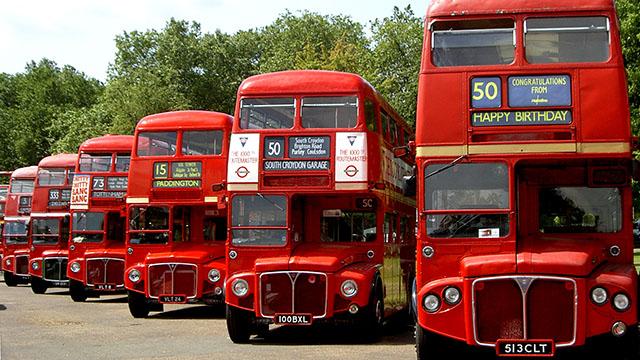 Ônibus de Londres completa 60 anos