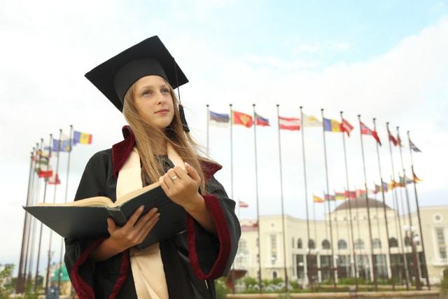 Como revalidar diplomas brasileiros na Inglaterra?