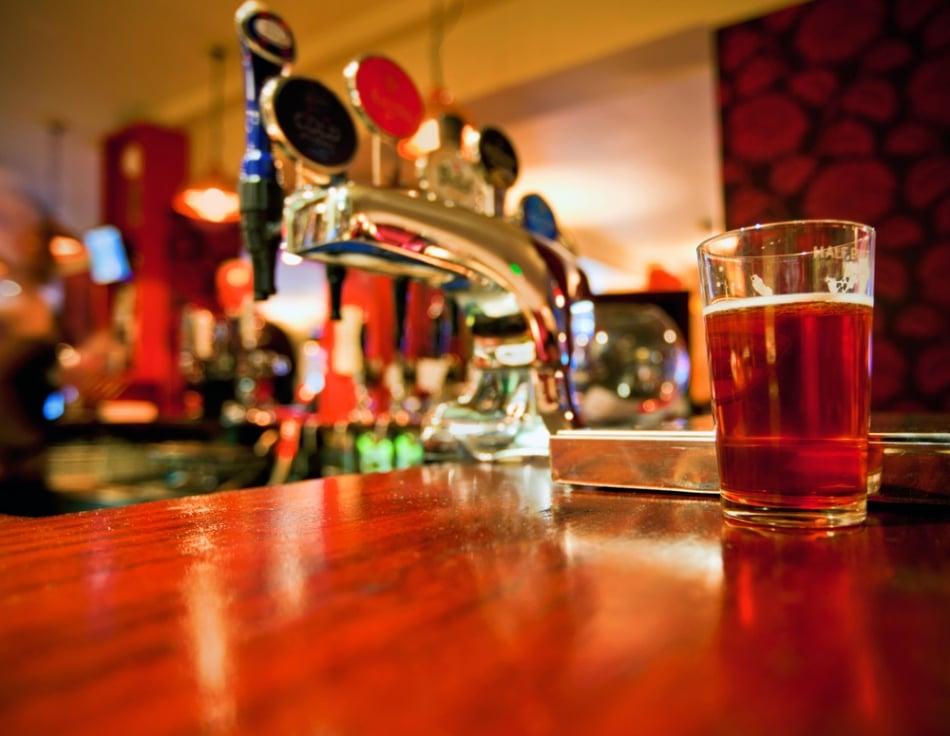 Os 7 melhores pubs de Londres para aproveitar a noite