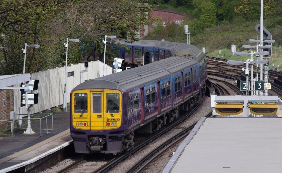Pesquisa revela piores operadoras de trens da Inglaterra