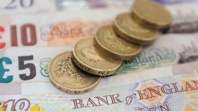 Economia do Reino Unido cresceu 0.5% no último trimestre de 2015