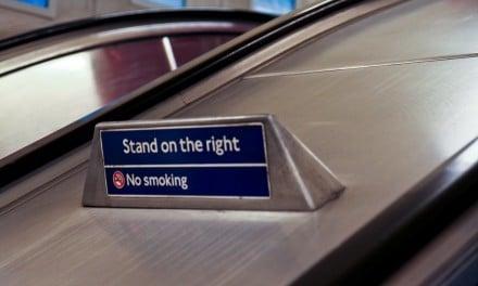 Estação de metrô de Londres testará 'standing only' nas escadas rolantes