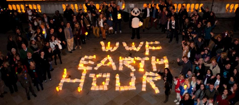 No escuro por uma hora, Londres participa de ato pelo meio ambiente