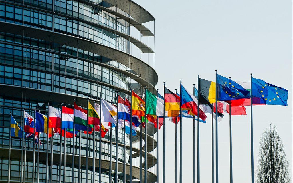 """Parlamento Europeu quer evitar """"reação em cadeia"""""""