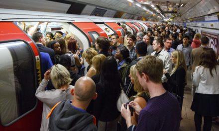 TfL lança alerta de atrasos do metrô de Londres no Twitter