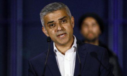 Prefeito de Londres manda recado aos imigrantes e diz que cidade seguirá brilhando