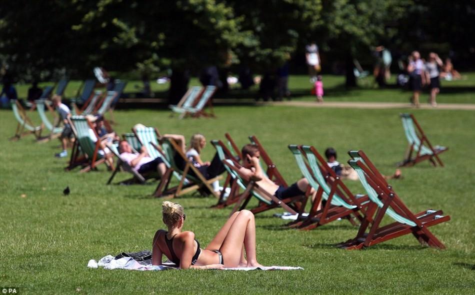 Temperatura bate recorde centenário no Reino Unido