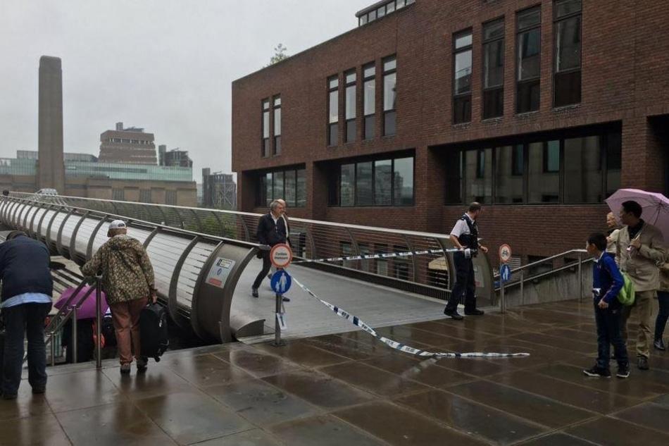 Suposta bomba da Segunda Guerra fecha a Millennium Bridge em Londres
