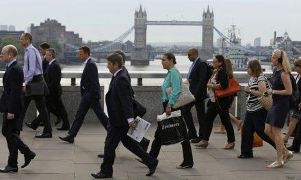 Sem efeito Brexit? Taxa de desemprego cai no Reino Unido