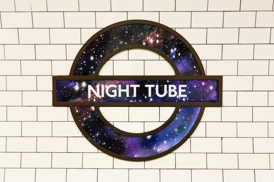 Jubilee line inicia serviço de metrô 24 horas em Londres