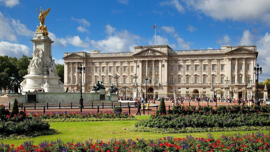 Palácio de Buckingham passará por reformas que podem levar uma década